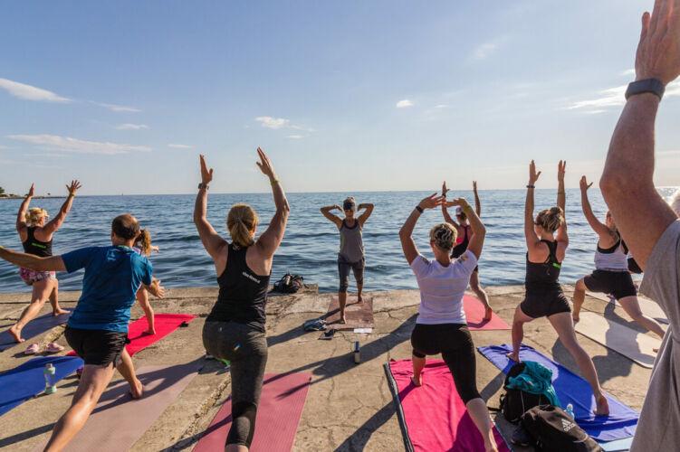 vibes-goes-croatia-yoga